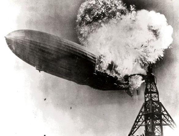 Hindenburg_burning