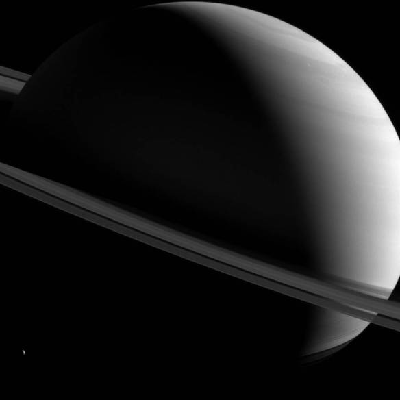 saturn askew